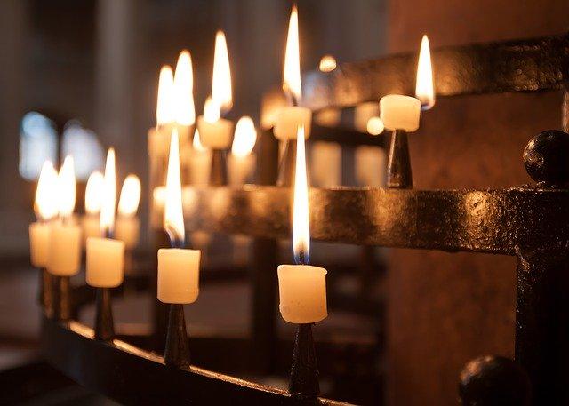 Kyrkan – Ett ljus i mörkret